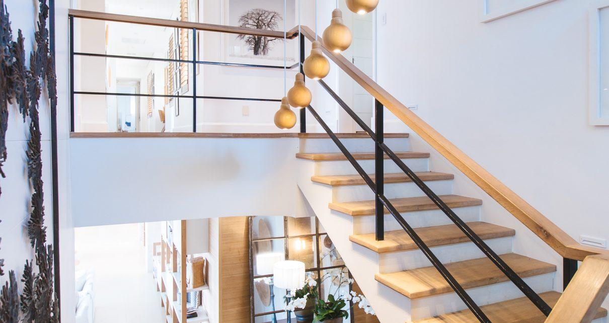 Ben je op zoek naar een nieuwe trap voor in huis Overweeg in dat geval zeker een bouwpakket trap.