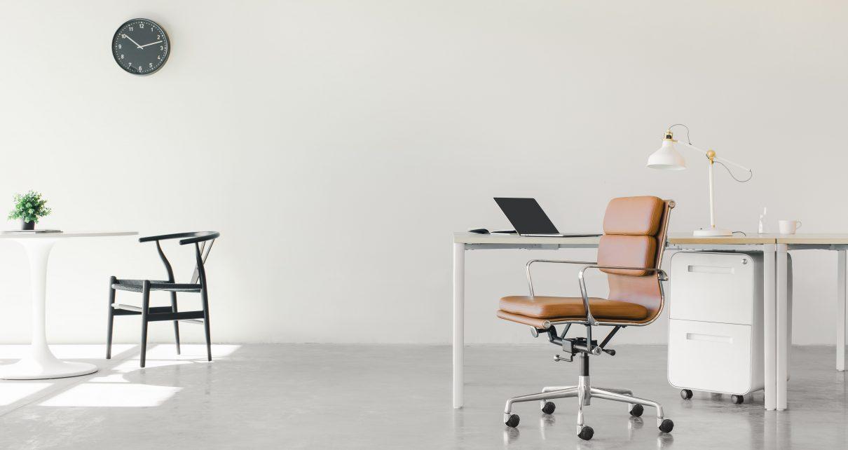 4 tips om je kosten te besparen op kantoorartikelen